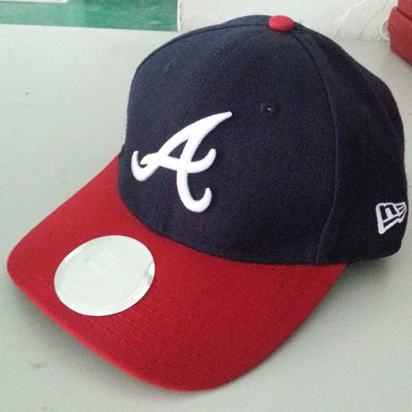 Sports cap with  A 3d embroidery