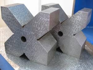China testing crossed Cast Iron Vee-Block