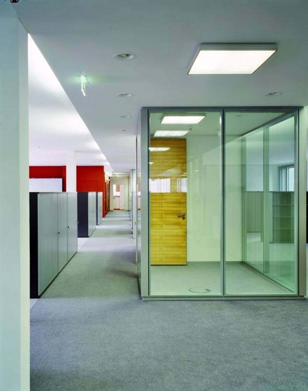 Frameless Double Glass Partition