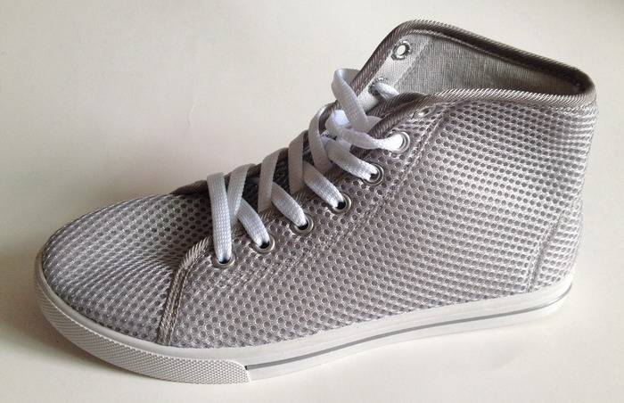 men and women casual shoes