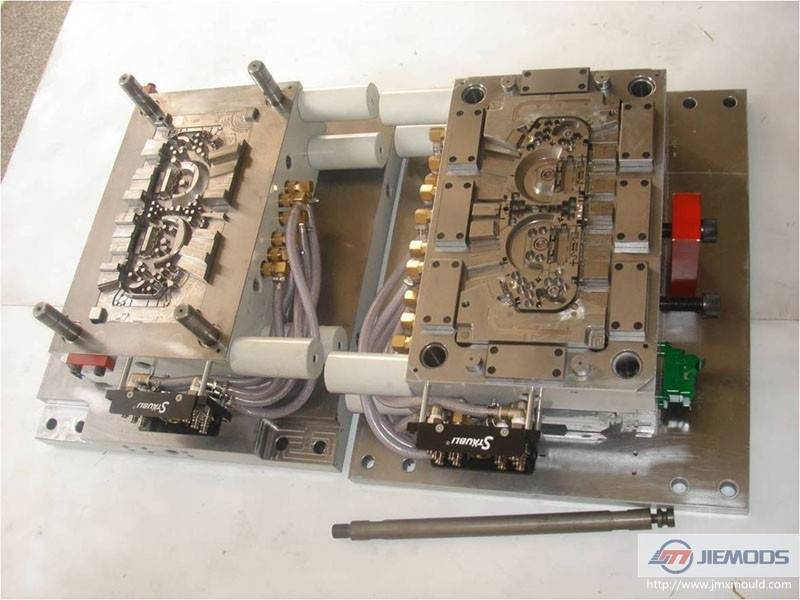 Two Plate Plastic Injection Mold for Dial Mounting Plate
