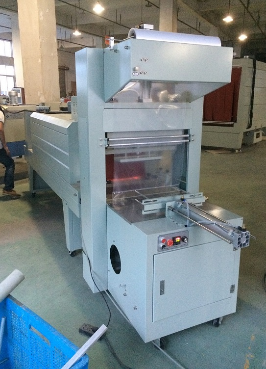 PET bottle shrink wrapping machine semi-Automatic Shrink Wrapping Machine