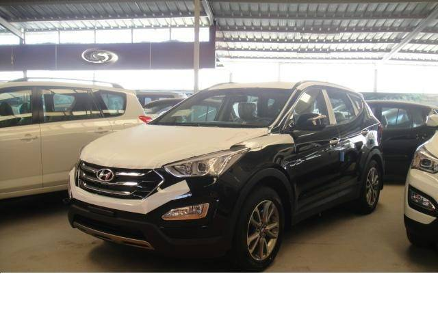 Hyundai Santa Fe 3.5L Petrol, Automatic Transmission, 4x4. Brand new, model 2013.