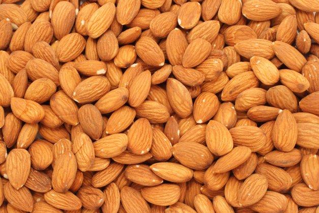 Almond Nuts, Cashew Nuts , hazelnuts (filberts) groundnuts (peanuts)