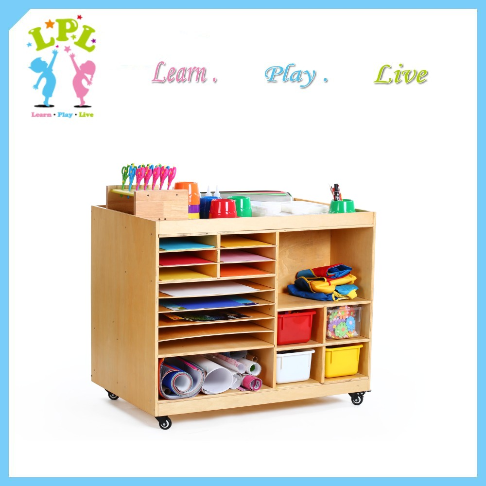 Wholesale hot selling high quality solid wood storage cabinet daycare kindergarten classroom furnitu