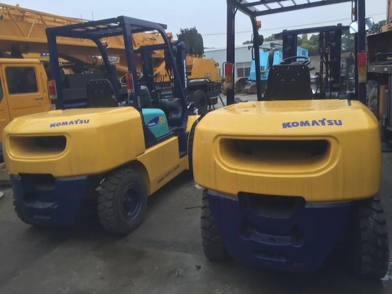 USED 5TON KOMATSU FORKLIFT FD50AT-7  MADE IN JAPAN WITH HIGH QUANLITY IN LOW PRICE
