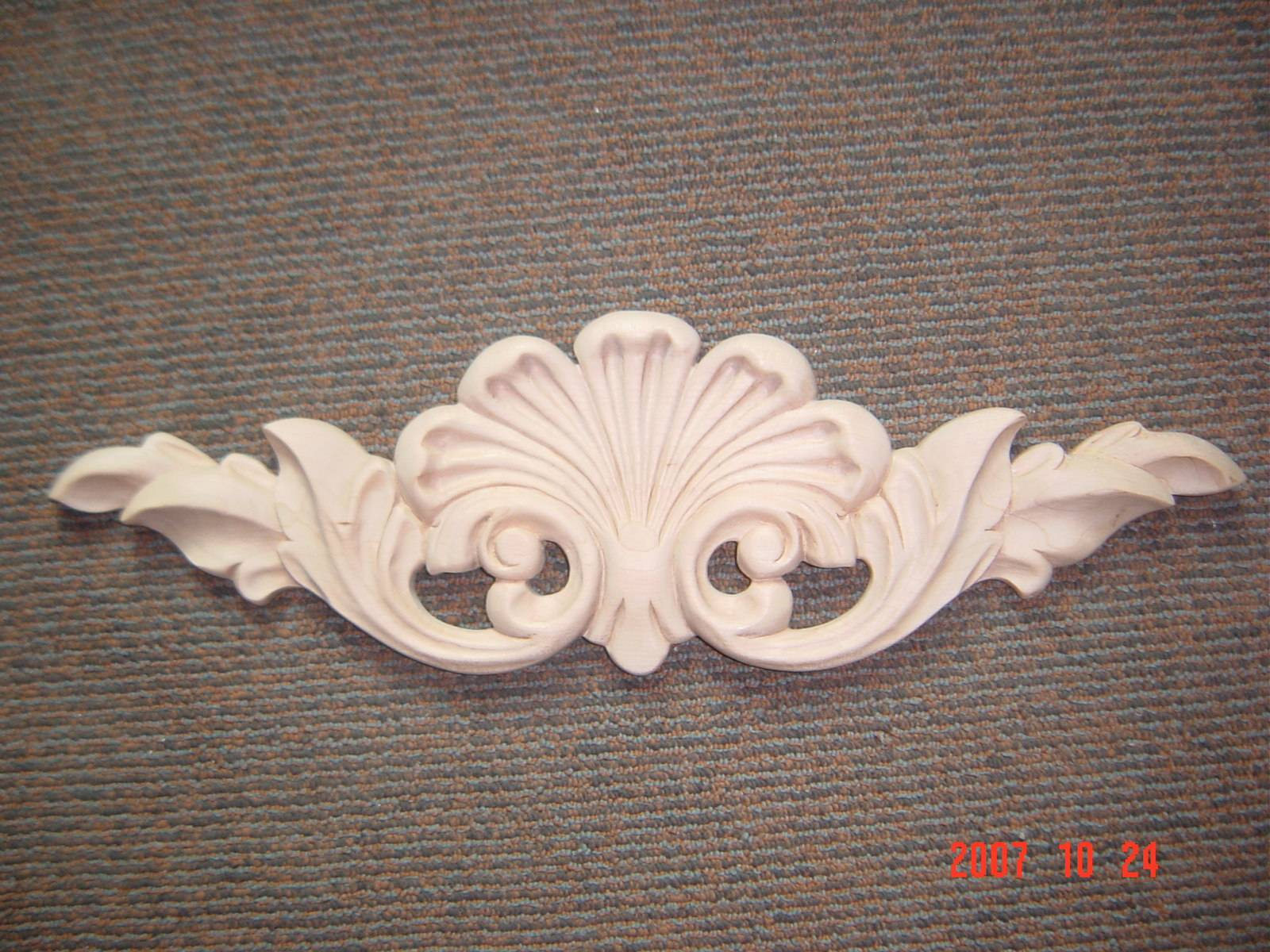Wood appliques wholesale from china manufacturer delica carving