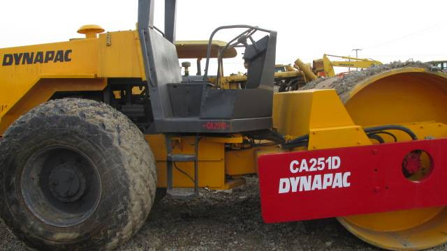 Used DYNAPAC Road Roller CA251D in good condition