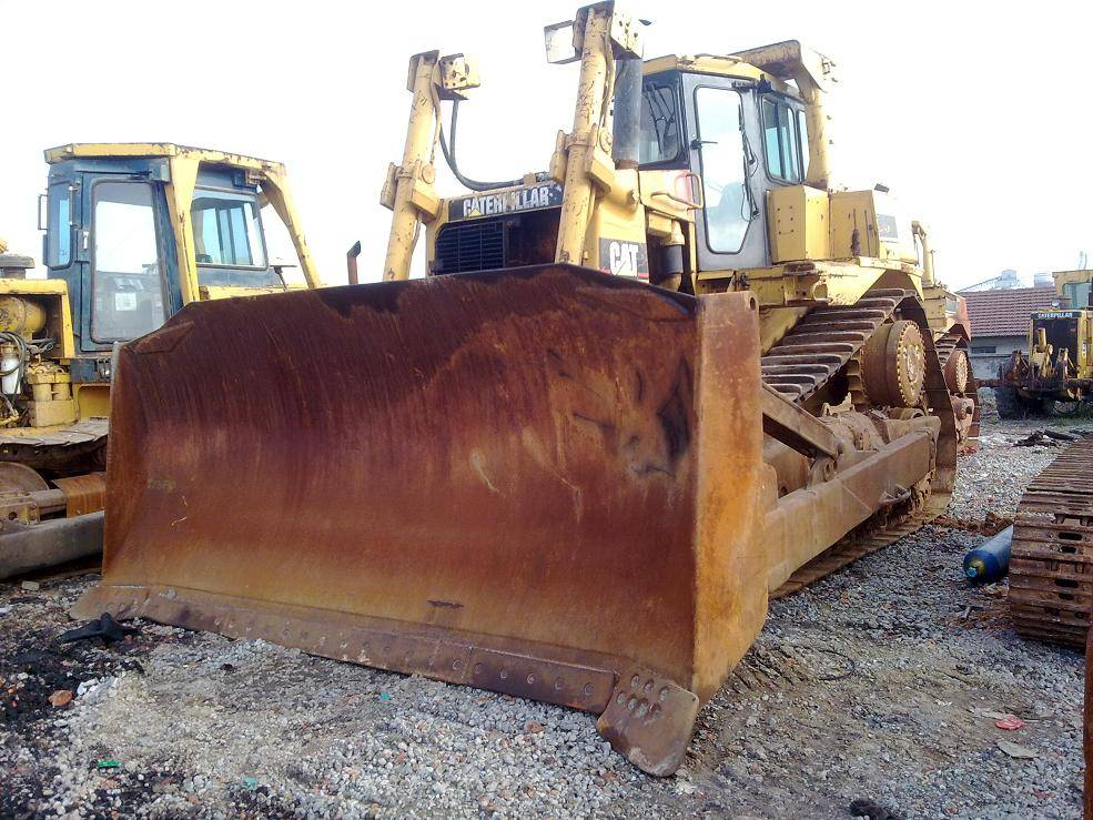 Used CAT Bulldozer D9R for sale with good worked