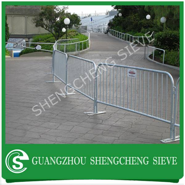 Powder conated galvanized steel interlocking temporary safety construction barricades