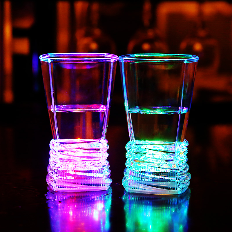 Gifts Light LED Products LED Flashing Cups for Night Bar or Parties