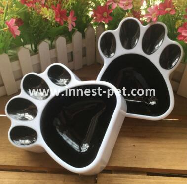 China pet products paw shape pet dog plastic bowl