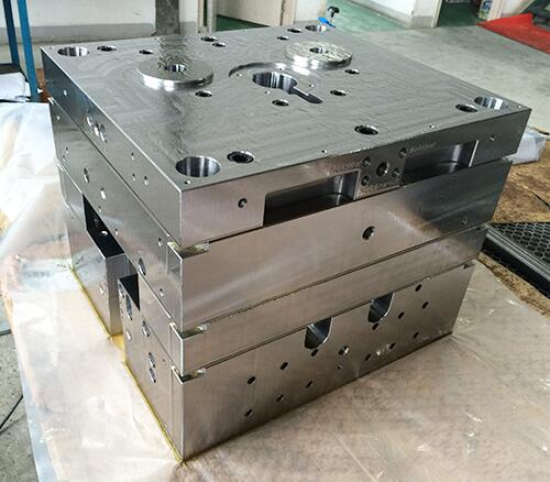 Customized Plastic Injection Mould Base by China Mould Manufacturer