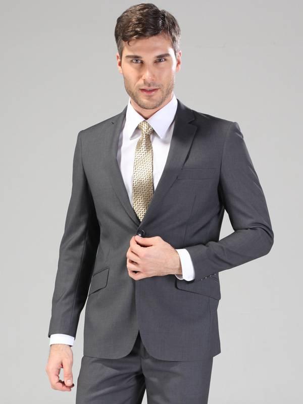 Regular fit GreyTR notch lapels slant pocket with flap