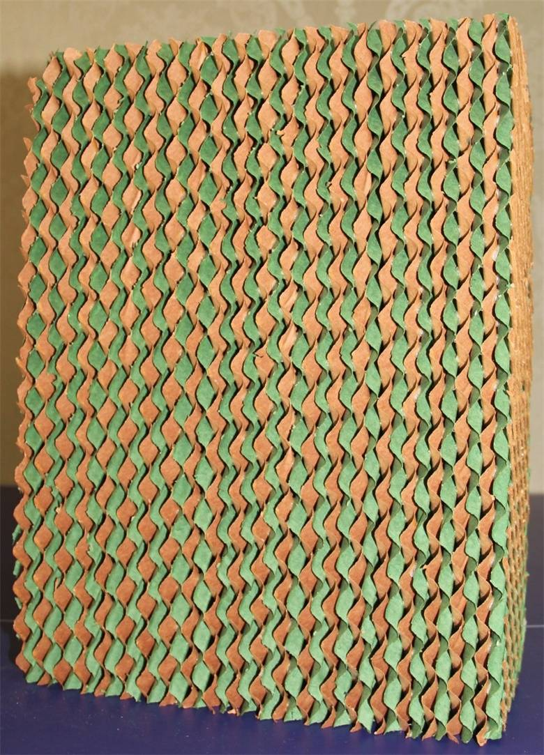brown/green evaporative cooling pad