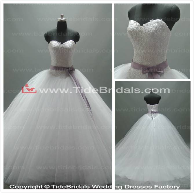 Ball gown Sweetheart Lace bodice Tulle skirt Bridal gown Lace up wedding dress (AS4101)