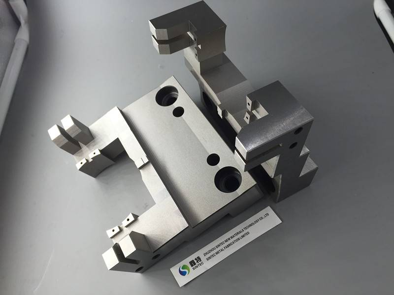 Precision Cr12Mo1V1 machining steel parts