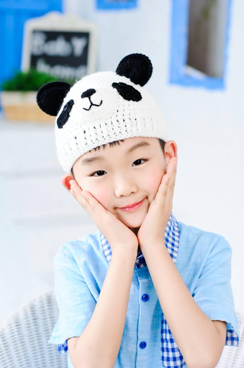 Handmade chlidren crochet hats