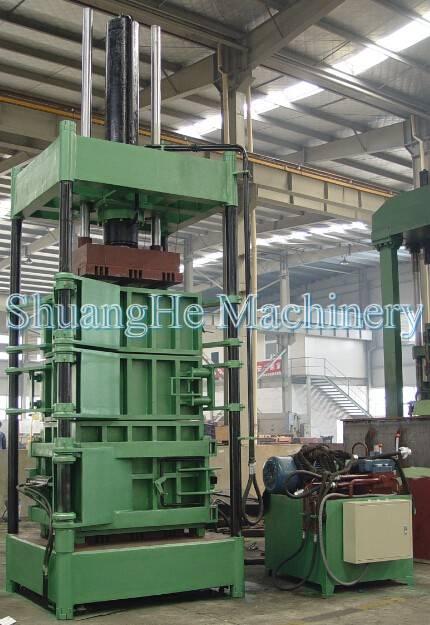 Vertical  baler 200 tons Y82 - 200