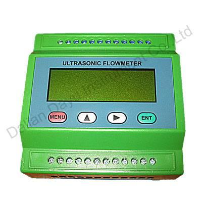 Non-invasive ultrasonic flowmeter for liquid measurement