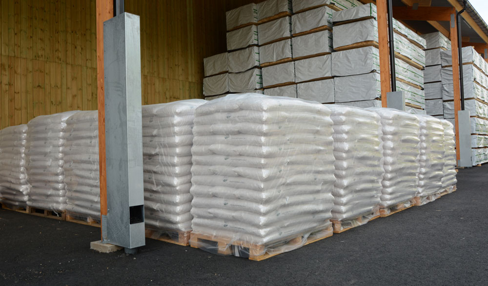 High Quality Premium Grade Wood Pellets , Briquette , Firewood , Charcoal