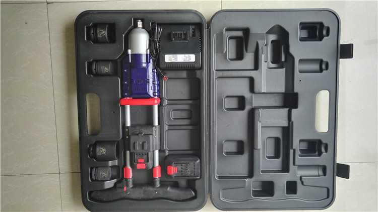 1200N.m high torque cordless torque wrench battery bolting tool rechargeable impact wrench railway e