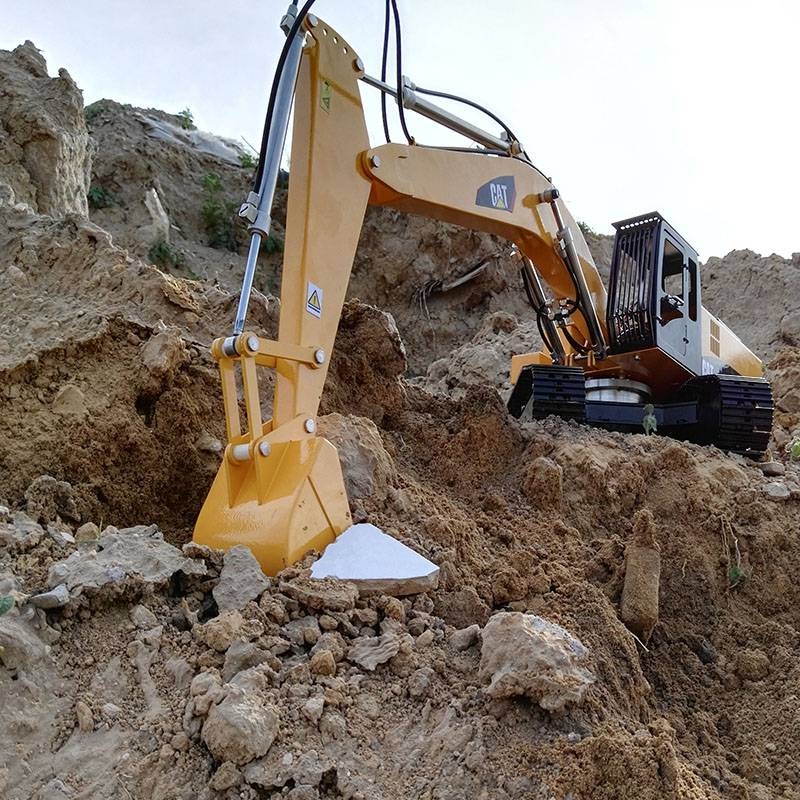 RC model 1:12 Hydraulic RC excavator model