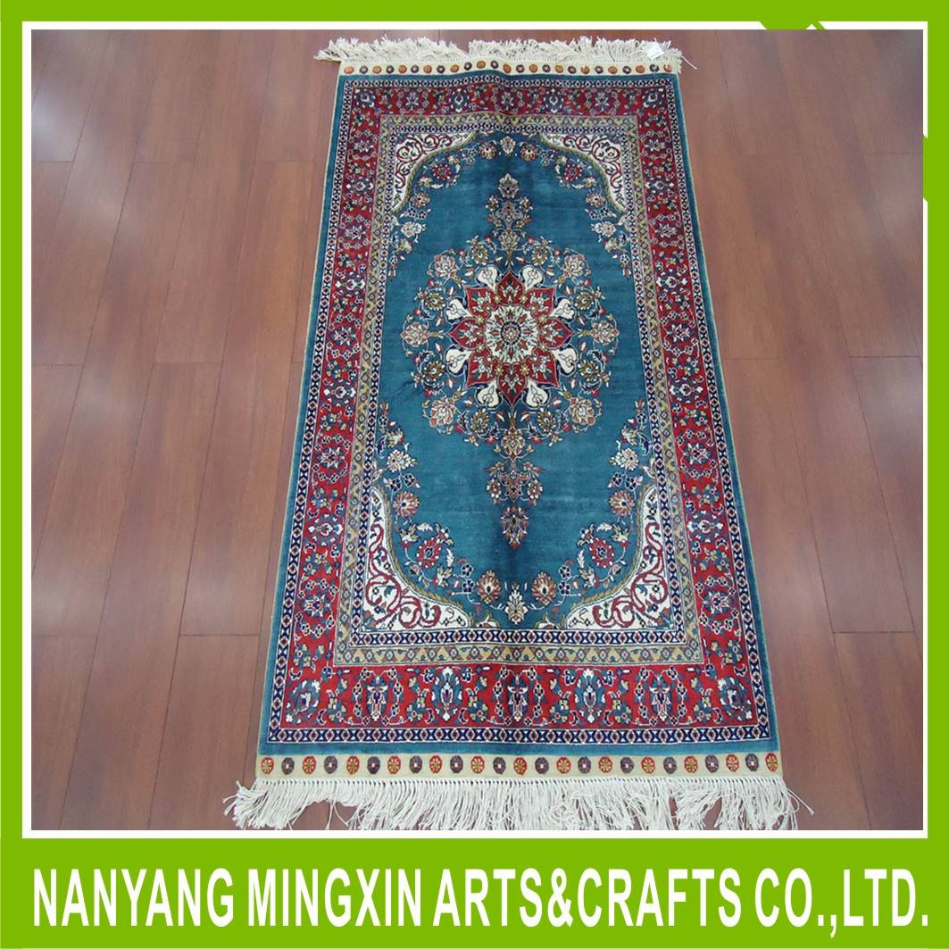 hand made carpet , hand wool and silk knotted
