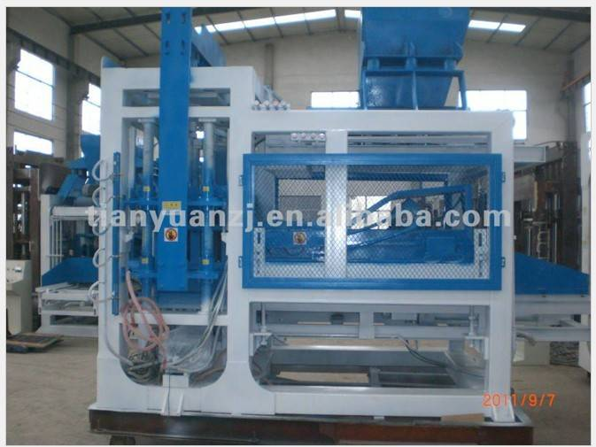 Hollow block machine manufacturer QT8-15