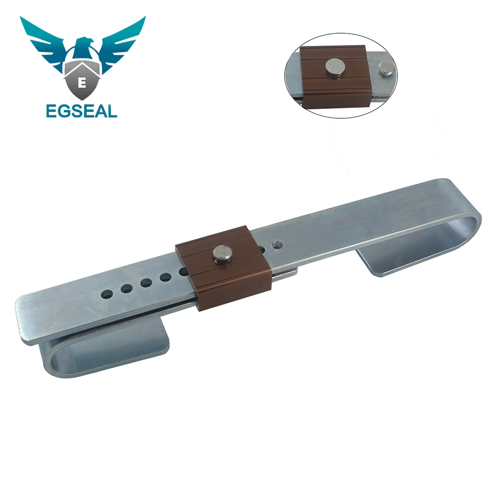 Heavy duty barrier seal for container door locking
