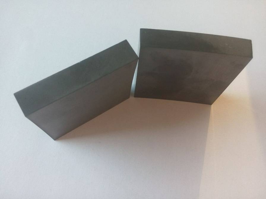 sintered silicon carbide tiles R400