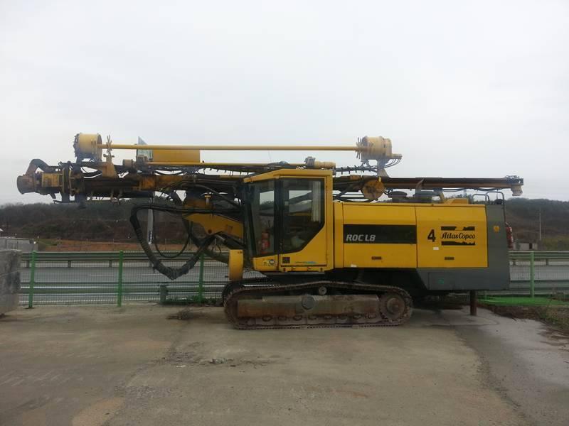 Used hydraulic crawler drill ATLAS COPCO ROC L8 64