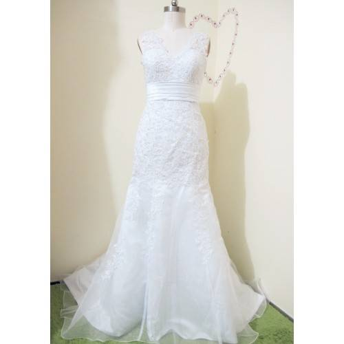 WEDDING DRESS SATIN&LACE CHAPEL TRAIN V-NECK WITH ZIPPER-BACK AND BUTTONS W6004