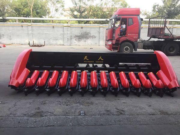 Fourteen Rows Corn Header