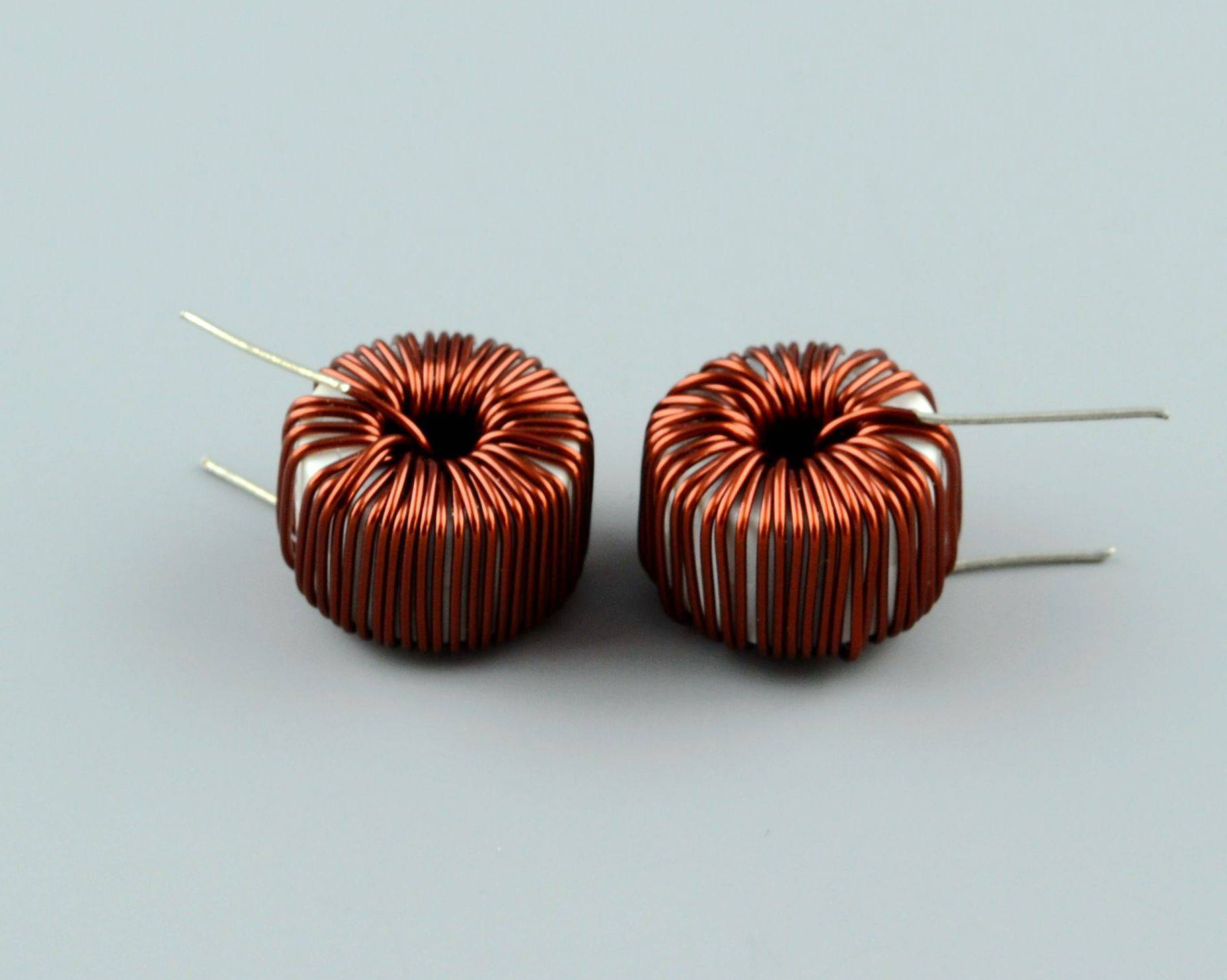 Differential mode inductor cores