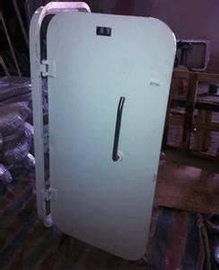 Leed Frame Skin Construction Marine Access Doors , Quick Open and Close Weathertight Door