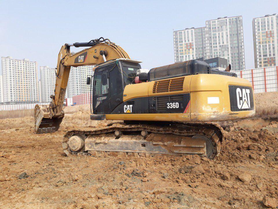 Used excavators CATERPILLAR 336DL