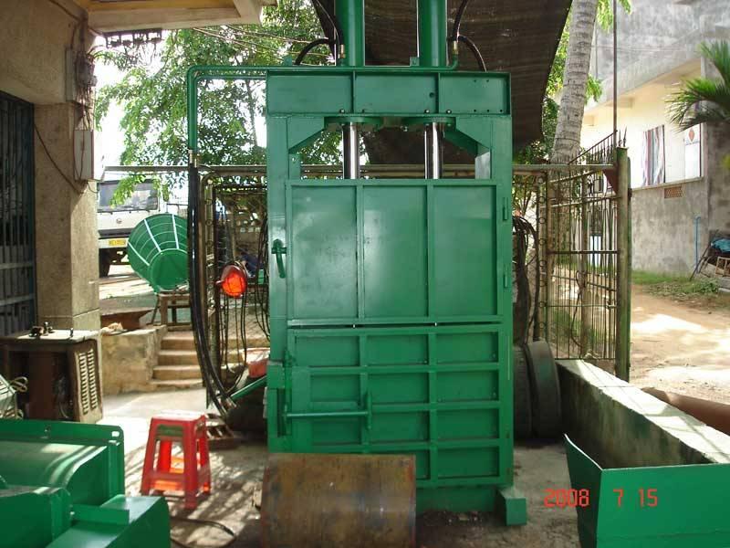 Bale compressor machine (coconut fiber machine-5).