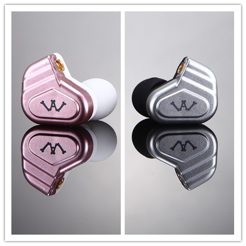 High Sound Quality silicone rubber earphone with dual Driver Detachable cable