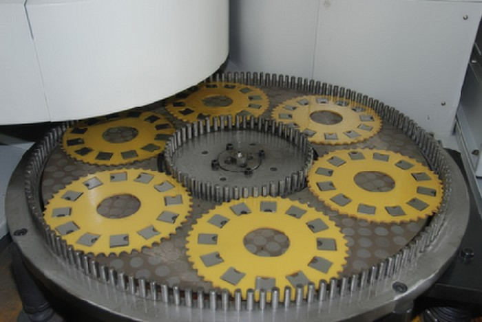 Connecting rod surface grinding machine