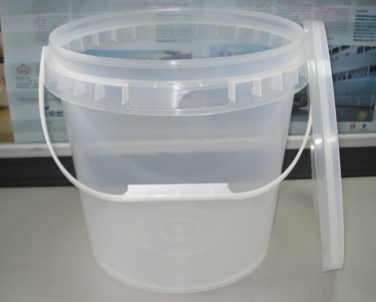 10Litre plastic pails