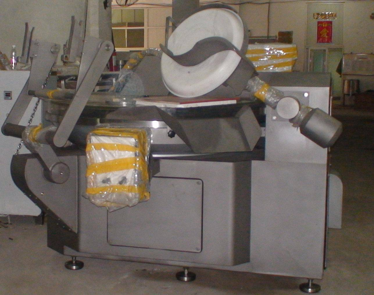 Bowl cutter for crab meat production