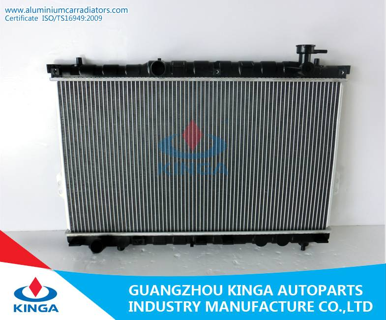 Engine Parts Auto Cooling Radiator for Hyundai Santafe'01-04 (25310-26000)