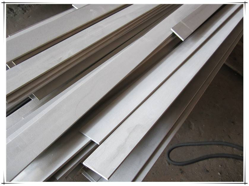 Hot rolled annealed pickled stainless steel flat bar 304 with 6 metres lenght (-0/+50mm) length with