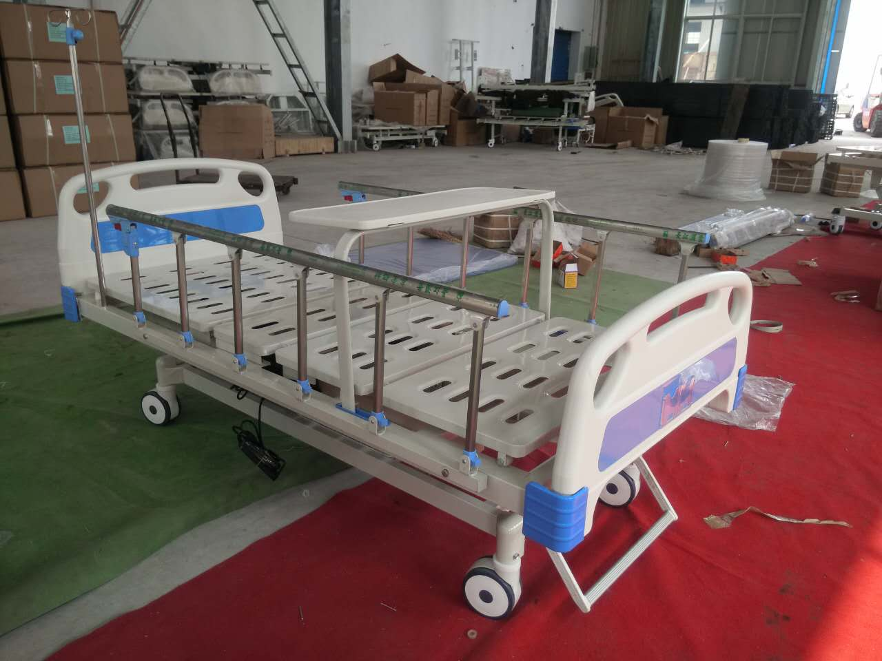 YXZ-C301 3 functions electric hospital bed